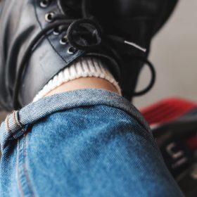 De juiste jeans voor korte benen