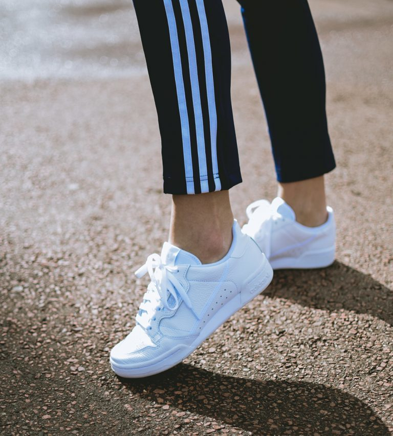 Adidas continental sneakers wit