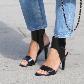 Schoenen met een cut-out