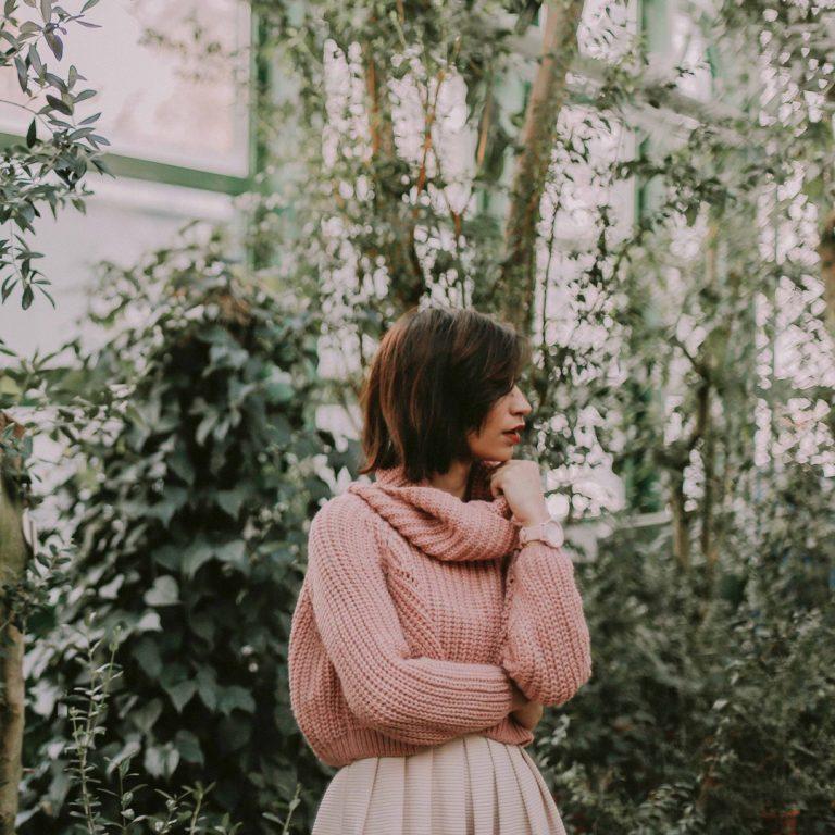 4 soorten sweaters die hot en trendy zijn deze zomer