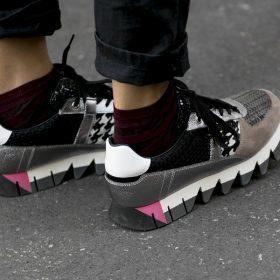 Gespot: Sneakers met details