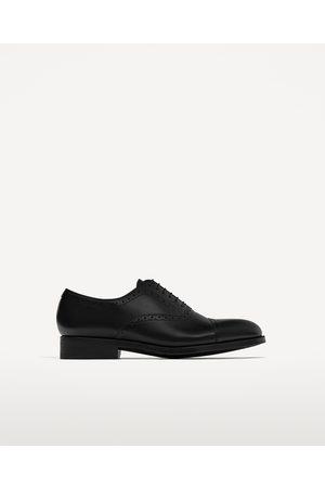 Heren Klassieke schoenen - Zara NETTE LEREN SCHOENEN MET GAATJESMOTIEF - In meer kleuren beschikbaar