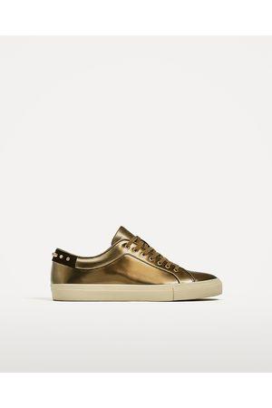 Heren Sneakers - Zara SNEAKERS IN METALLIC LOOK MET STUDS - In meer kleuren beschikbaar
