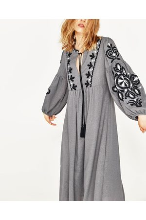 Zara geborduurde lange jurk