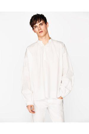 Heren Overhemden - Zara WIJD OVERHEMD MET MAOKRAAG