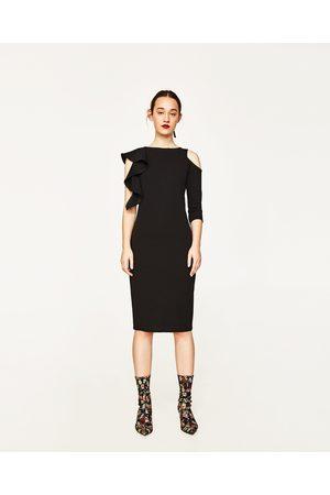 4b0a784502a824 Dames Asymmetrische jurken - Zara JURK MET ASYMMETRISCHE MOUWEN