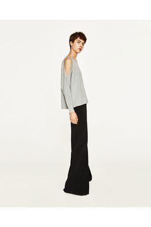 Dames Truien - Zara TRUI MET PARELS EN BLOTE SCHOUDERS - In meer kleuren beschikbaar