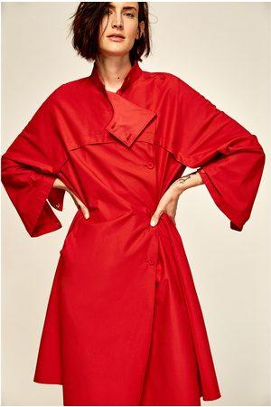 Dames Poncho's & Capes - Zara OVERSIZED REGENJAS MET CAPE