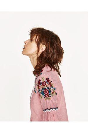 Dames Blouses - Zara GESTREEPTE BLOUSE MET BORDUURSEL - In meer kleuren beschikbaar