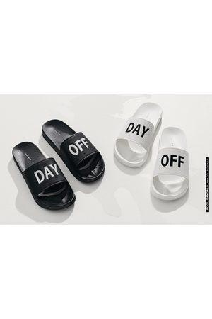 Heren Schoenen - Zara BADSLIPPERS MET TEKST - In meer kleuren beschikbaar