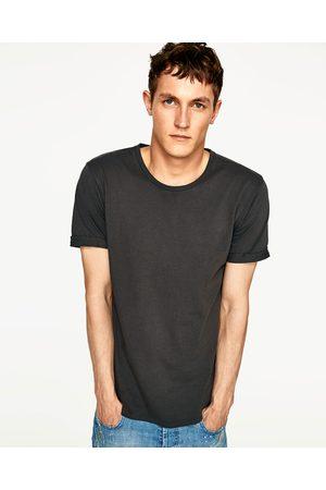 Heren Shirts - Zara LONG LENGTH T-SHIRT MET SCHEUREN - In meer kleuren beschikbaar