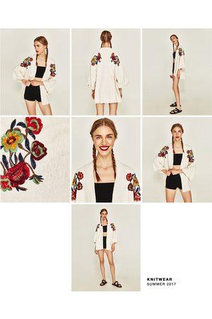 Dames Kimono's - Zara KIMONO MET GEBORDUURDE BLOEMEN