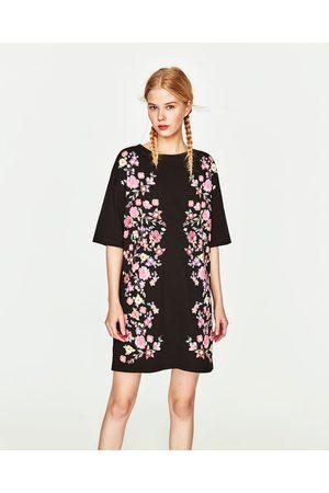 bf43980cdfe978 Extreem Zwarte jurk met bloemen zara – Populaire jurken uit de hele wereld   PH62