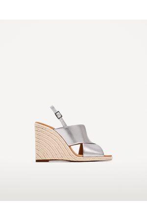 Dames Sleehakken - Zara SLEEHAK MET JUTE ZOOL EN GEKRUISTE BANDJES - In meer kleuren beschikbaar
