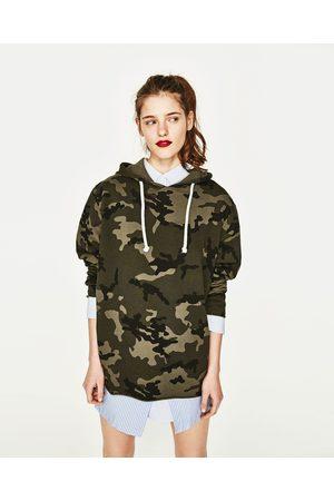 Dames Sweaters - Zara SWEATSHIRT MET CAMOUFLAGEPRINT