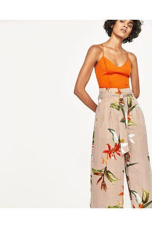 Dames Body's - Zara TOP MET GEKRUIST RUGPAND - In meer kleuren beschikbaar