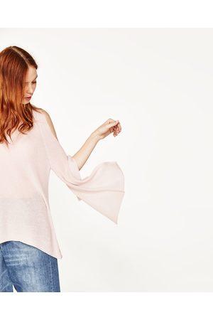 Dames Truien - Zara TRUI MET BLOTE SCHOUDERS EN KNOOPACCENT - In meer kleuren beschikbaar