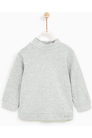 Zara T-SHIRT MET HOGE HALS - In meer kleuren beschikbaar