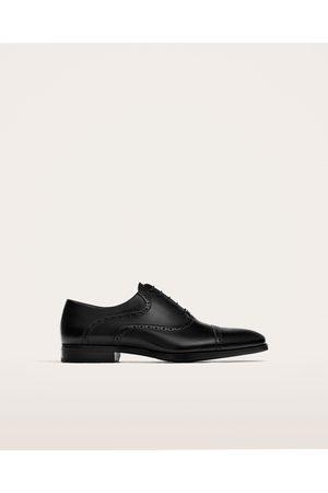 Heren Klassieke schoenen - Zara NETTE LEREN SCHOENEN MET GAATJESMOTIEF IN HET