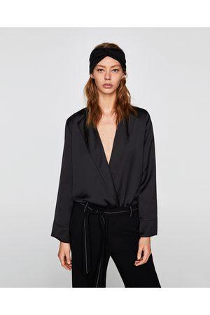 Zara BODY MET SCHOUDERVULLINGEN - In meer kleuren beschikbaar