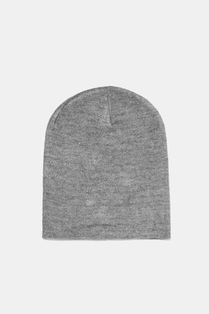 Zara BEANIE MET GLANZENDE APPLICATIES