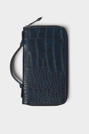 86e1fc48639 Zwarte xl portefeuille met oranje details. SALE. Zara XL PORTEFEUILLE MET  DIERENPRINT IN RELIËF
