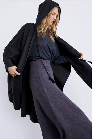 Zara TRICOT CAPE MET CAPUCHON
