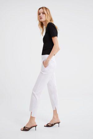 Zara Broek met ongelijke pijpen