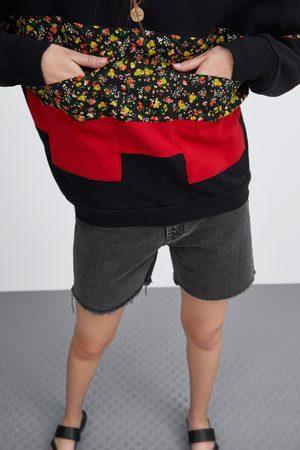 Zara Sweatshirt met zakken en bloemenprint