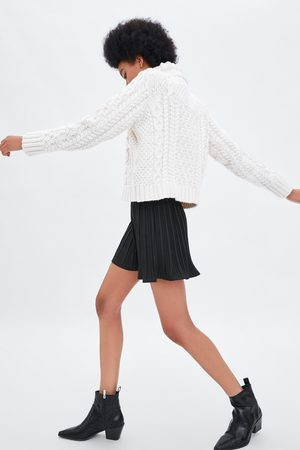 Zara Plissé short