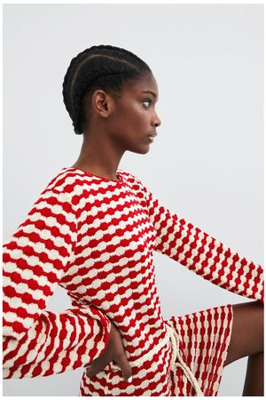 Zara Gestructureerde jurk met ceintuur