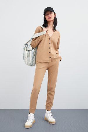 Zara Broek met textuur