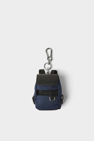 Zara Minirugzak als accessoire