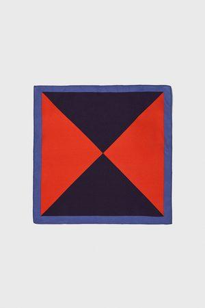 Zara Pochet met driehoeken