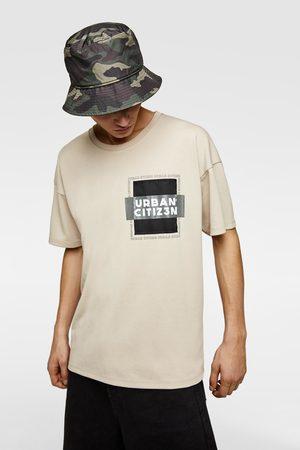 Zara T-shirt met contrasterend borstzakje met accent