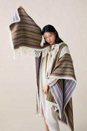 Zara Studio cape met franjes limited edition
