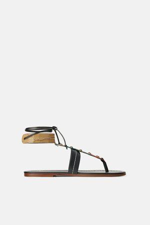 Zara Platte leren sandalen met gekleurde stukken