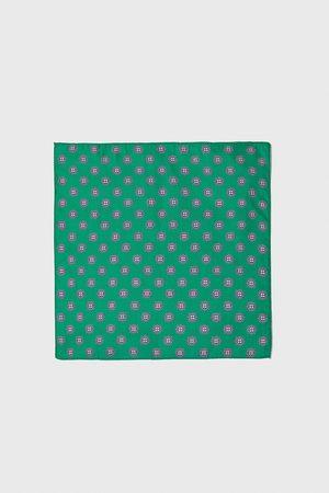 Zara Pochet met stropdasprint