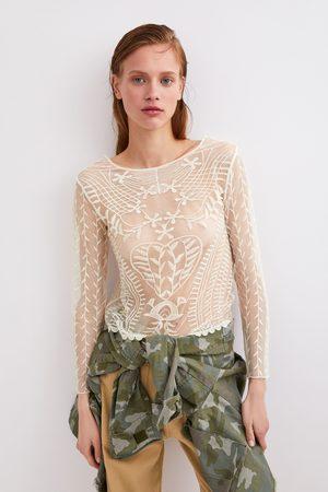 Zara Semitransparente t-shirt met borduursels