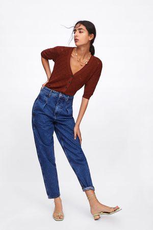 Zara Gestructureerd vest in cropped model