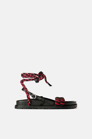 Zara Platte gevlochten sandaaltjes