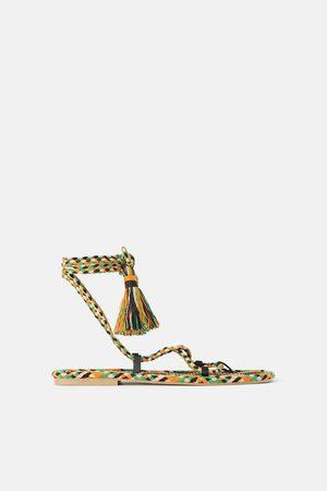 Zara Platte gevlochten veelkleurige sandalen