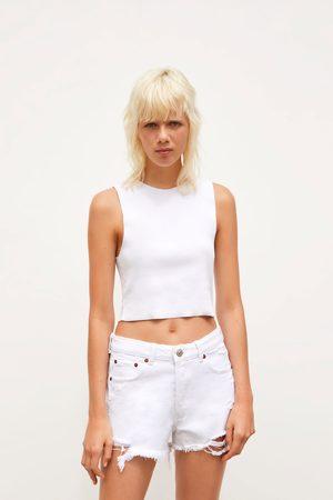 Zara Dames Shorts - Denim short met mid-rise en scheuren