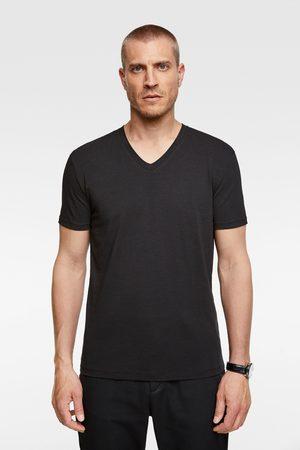 Zara Basic t-shirt in slim fit