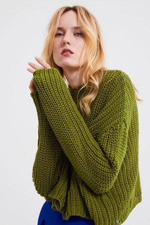 Zara Tricot trui met scheuren
