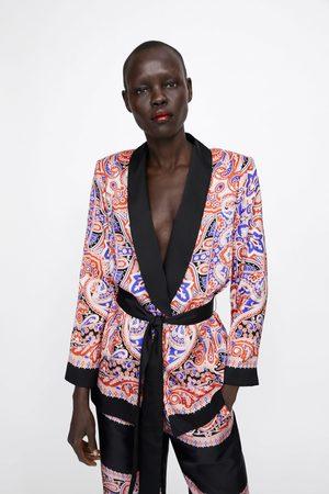 Zara Blazer met print en ceintuur