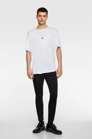 Zara T-shirt met ketting