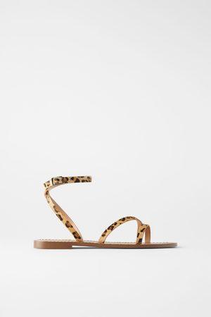 Zara Platte leren sandaaltjes met dierenprint