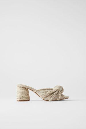 Zara Muiltjes met hak en gerafelde knoop