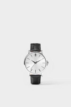 Zara Horloge in vintage look met leren bandje